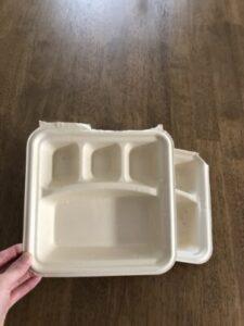 お弁当の紙の容器