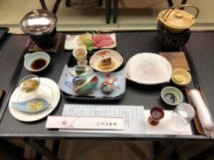 三朝温泉依山楼岩崎の食事