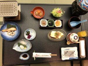 三朝温泉依山楼岩崎の食事朝食